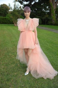 [포토]'칸 영화제' 드레스 포인트는 어깨