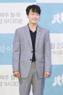 """'바람' 감우성 """"'키스먼저' 반복 아냐…캐릭터 봐주길"""""""