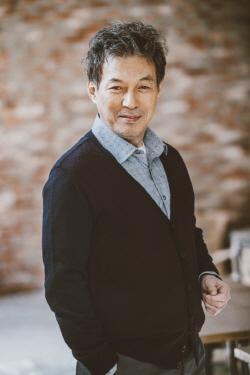 """김갑수, '기흉' 판정에 소속사 """"치료→퇴원, 휴식 후 보좌관' 복귀"""""""