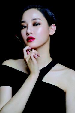 이주연, 메이크업 화보 공개…분위기 여신