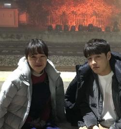 """공효진·강하늘, '동백꽃' 이별신 그 뒤…""""우리도 헤어지네요"""""""