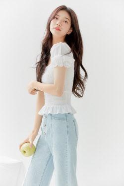 수지, 화보 공개 '봄의 여신'
