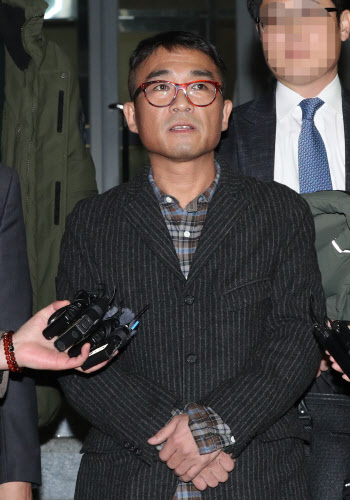 가수 김건모 성폭행 혐의, 기소의견으로 검찰 송치