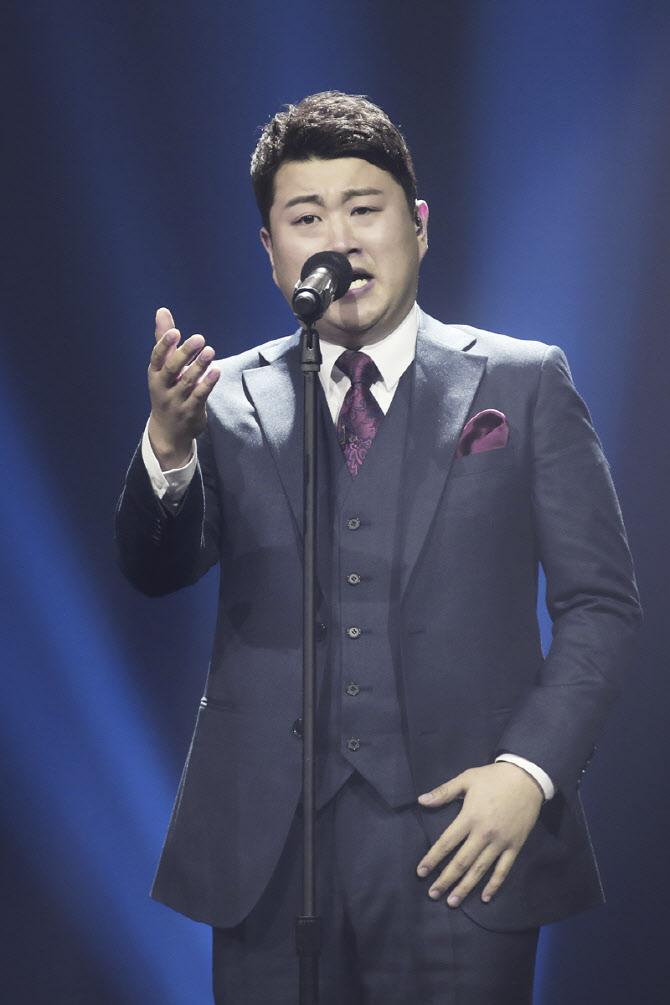 """'미스터트롯' 김호중 """"10kg 감량""""…이찬원 """"의지 대단해"""""""