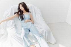 """수지, 청바지 화보 공개…""""뭘 입어도 예뻐"""""""