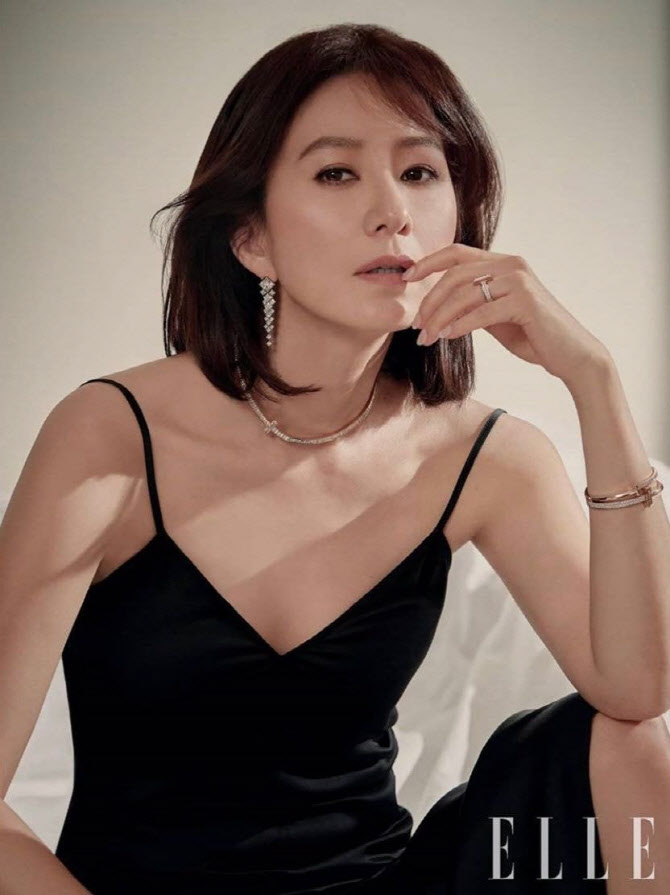 포토] 김희애, 시크하게