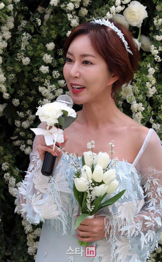 """S.E.S 슈, '도박 빚' 민사소송 패소→""""사죄 없어"""" 세입자 분노"""