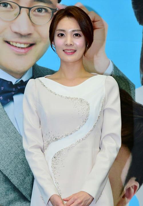 [단독]강서은 前KBS아나, 경동그룹 3세와 웨딩마치…지분 증여까지