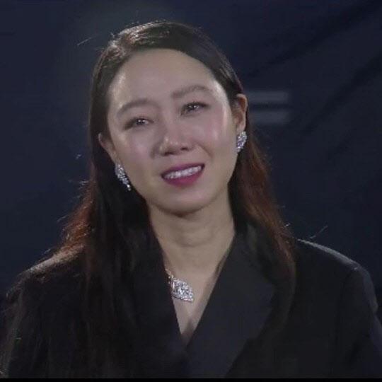 """공효진, '동백꽃' 백상예술대상서 이룬 성과에 """"정말 기뻐"""""""