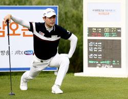[포토] 스트레칭하는 김대현