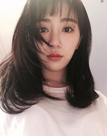 권민아, SNS 팔로잉 목록엔…'AOA' 그 멤버만 없다