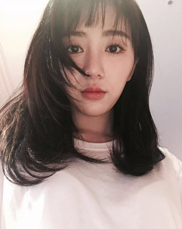 """권민아, 자해 흔적 공개에 팬들 우려...""""치료 받으며 노력하겠다"""""""