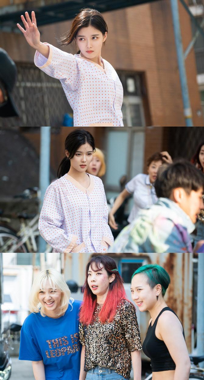 '편의점 샛별이' 김유정, 환자복 입고 병원 탈출?…액션 예고