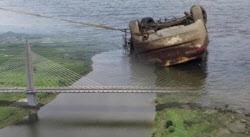 '그알' 주차된 차가 강물로...블랙박스는 사라져