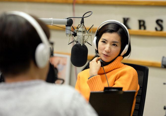 """KBS """"황정민 아나운서, 외상후스트레스장애 증상으로 입원"""""""
