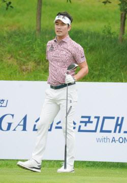 [포토]김형성 '타구 방향을 확인'