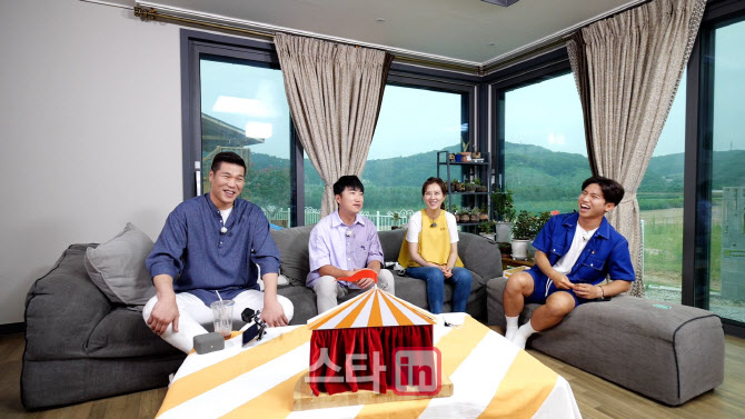 '유랑마켓' 장동민, 골프연습장 갖춘 200평 전원주택 공개