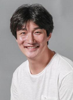 """배우 허동원, 코로나19 완치…소속사 측 """"최종 음성 판정 격리 해제"""" [전문]"""