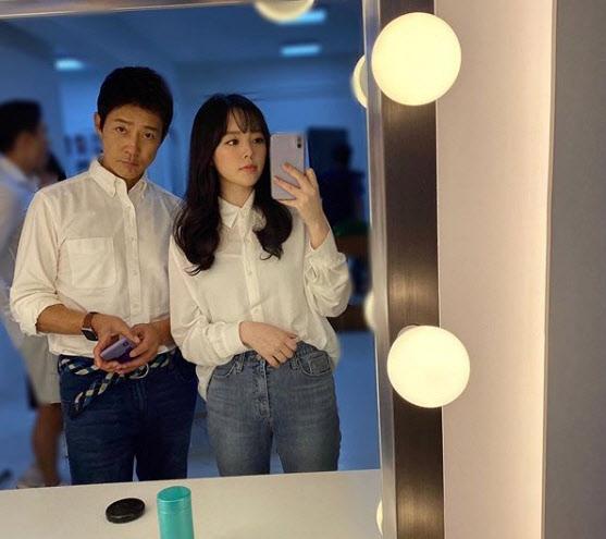 """최수종, 딸과 '찰칵'…""""하희라 도플갱어 수준"""""""