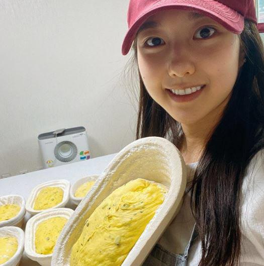 이혜성 '수준급' 베이킹 실력…전현무, 여전히 '좋아요'