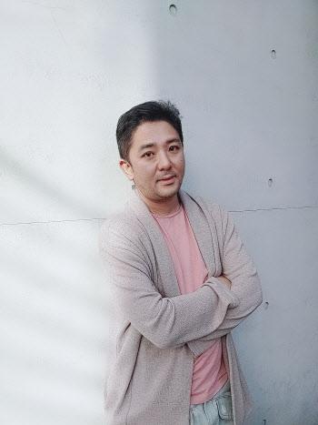"""창감독 """"K팝 세계관 콘텐츠 진화 응원해주시길"""" [인터뷰①]"""