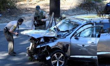 우즈, 차량 전복 사고로 선수 생활 위기…충격에 빠진 골프계