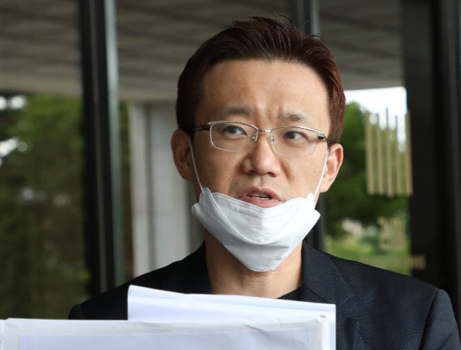 '기성용 사건 관련' 큰소리쳤던 폭로자들, 말 뒤집은 이유는?