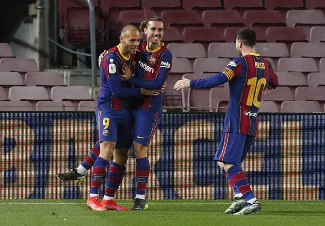 바르셀로나가 세비야를 이기고 킹스 컵 결승 진출