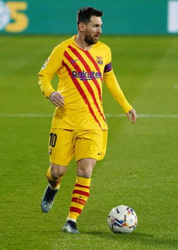 '메시 멀티 도움' 바르셀로나, 오사수나에 2-0 승리