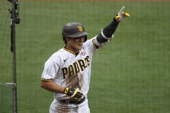 샌디에이고 김하성, 웨인라이트 상대 시즌 2호 홈런 작렬