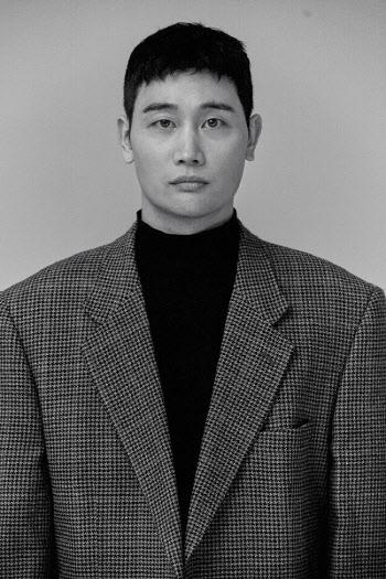 배우 지찬, 연극 '오월의 햇살' 출연