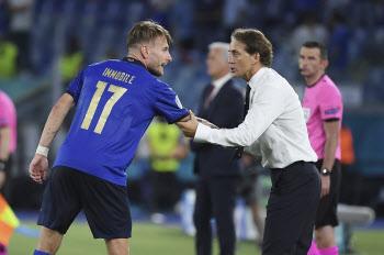 '2경기 연속 3-0' 이탈리아의 거침없는 질주...유로 우승 한 푸나