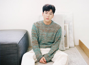 곽진언, 자작곡 '바라본다면' 공개