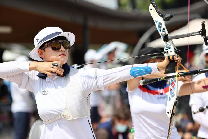 안산, 올림픽 기록으로 양궁 예선 1위…혼성전 출전 확정