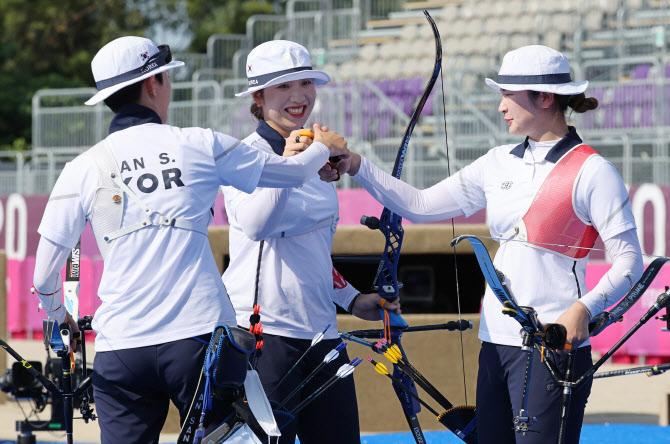 양궁 女단체, 9연속 금메달 대기록...안산, 대회 첫 2관왕