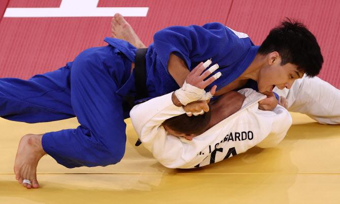 안바울, 업어치기로 세계랭킹 1위 제압…동메달 획득