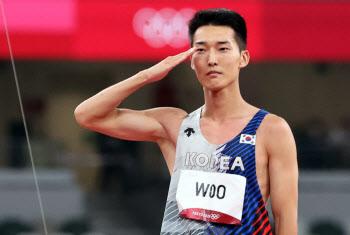 [도쿄올림픽]한국 육상 메달 가능성 봤다…우상혁, 한국 신기록으로 4위