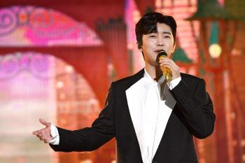 임영웅, 멜론 TOP10에 6곡 진입 '히어로 파워'