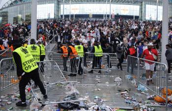 UEFA, 잉글랜드에 2경기 무관중 징계...유로 결승전 난동 책임
