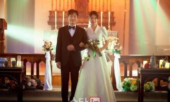 '시지프스' 조승우·박신혜 결혼사진, 무엇을 암시하나