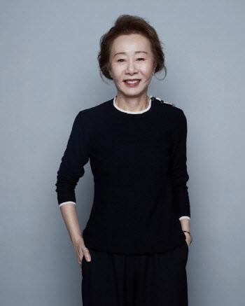 '오스카 수상' 윤여정 다음 행보는?