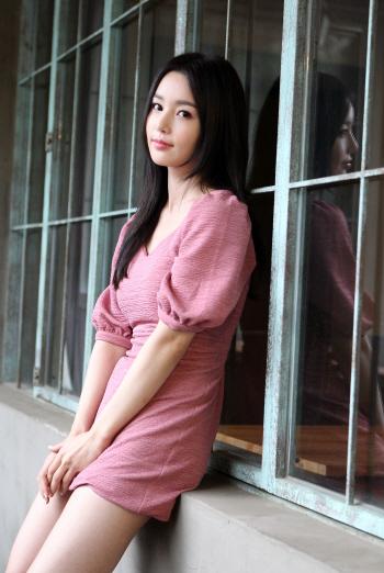 핑크 원피스 입은 남규리 ''아이돌에서 여배우로''