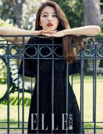수지, 블랙 원피스 입고 매혹적인 자태
