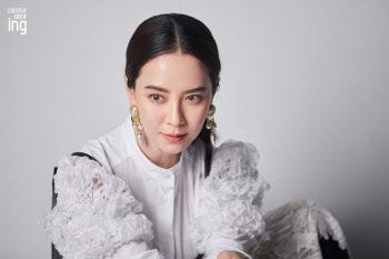 송지효, 열일하는 외모