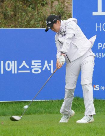 박현경 '강력한 연장전 티샷'