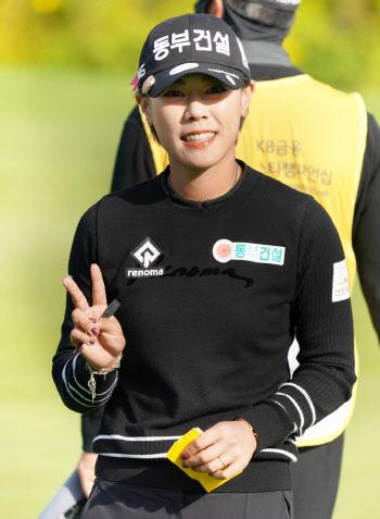 박주영 '오랜만에 선두에 올랐어요'