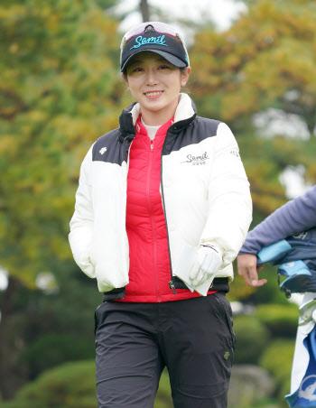 안소현 '상큼한 미소로 출발'