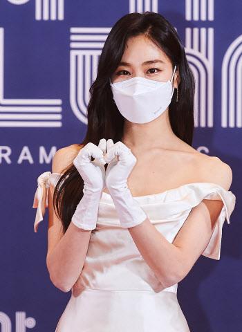 'MBC 연기대상' 한지은, 쇄골미인