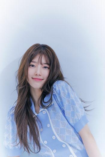 수지, 여름 화보 공개